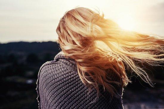 girl 1246525 640 e1569834843845 - Гормоны, влияющие на красоту, рост и выпадение волос