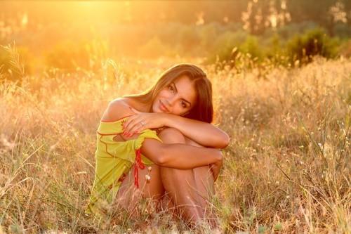 devushka i priroda - Какие витамины и микроэлементы делают  женщину молодой, красивой и ухоженной