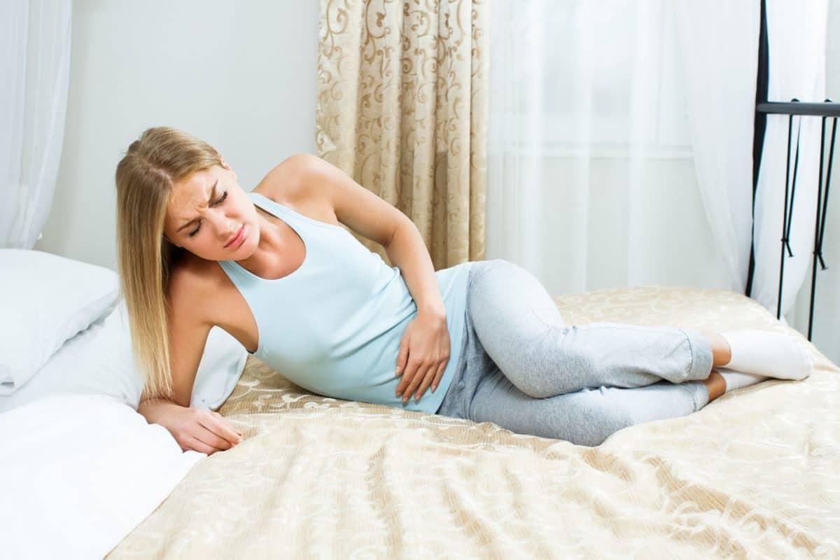 сильная боль внизу живота - повод обратиться к гинекологу