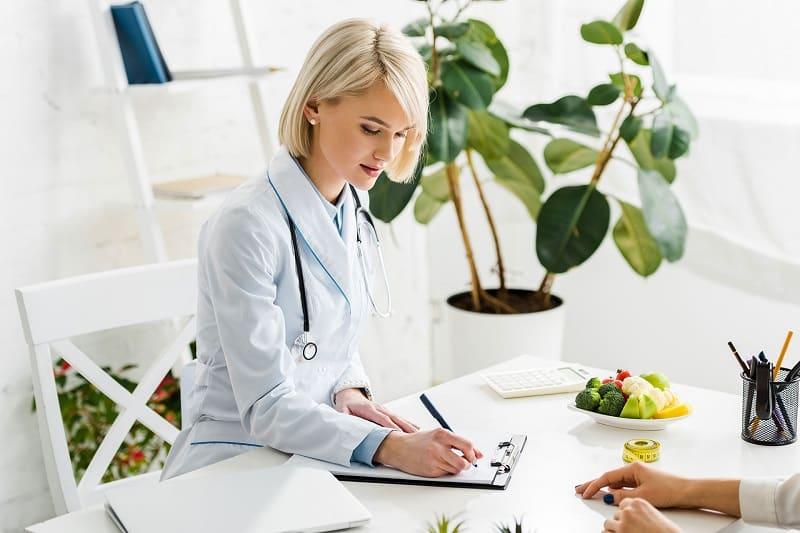 Перед диетическим питанием нужно проконсультироваться с врачом