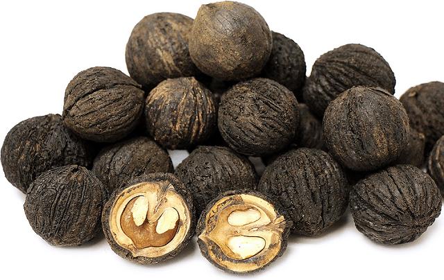 польза и вред черного ореха