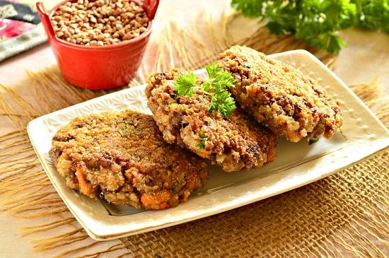 Гречишники с мясным или куриным фаршем - отличное блюдо для диеты при повышенной кислотности желудка