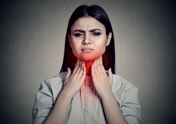 симптомы рака горла