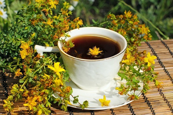чай из зверобоя для кишечника