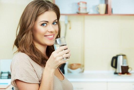 как принимать псиллиум при запорах: дополнительно нужно выпивать 2 л воды в сутки