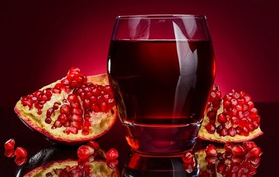 гранатовый сок: польза и вред для кишечника