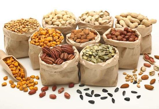белковые продукты: орехи и семена