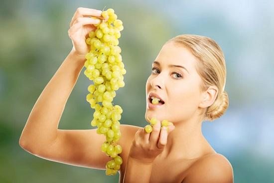 Белый виноград польза