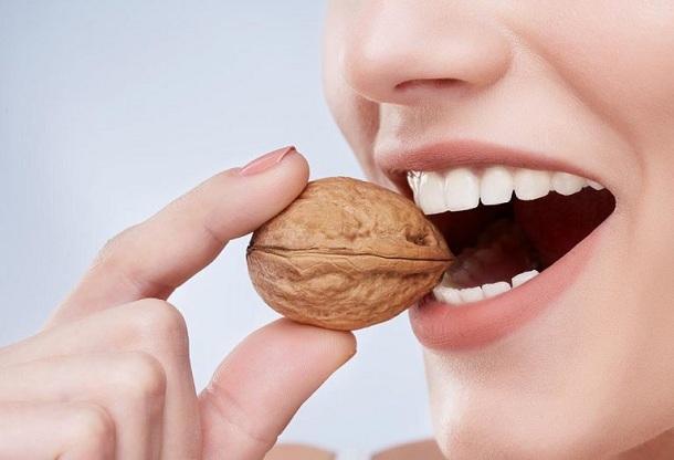 Польза грецких орехов для женщин