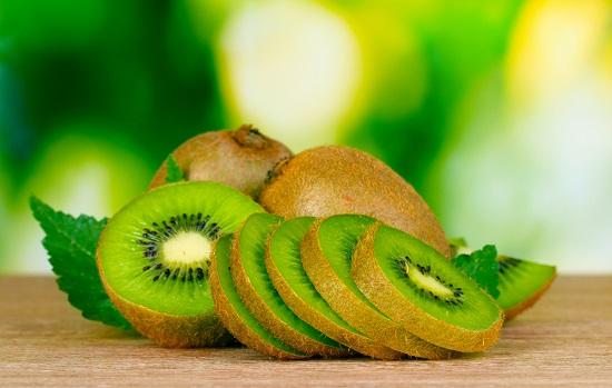 самые полезные фрукты и овощи: киви
