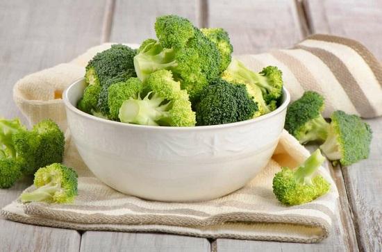 самые полезные фрукты и овощи: брокколи