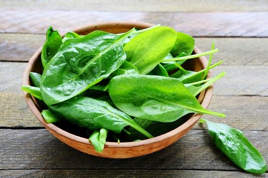 самые полезные фрукты и овощи: шпинат