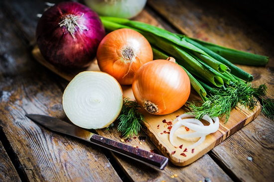 самые полезные фрукты и овощи: лук