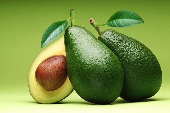 самые полезные фрукты и овощи: авокадо