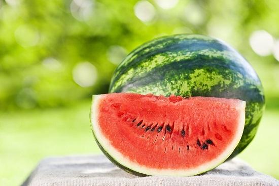 самые полезные фрукты и овощи: арбуз
