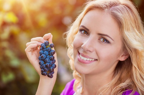 Синий виноград польза