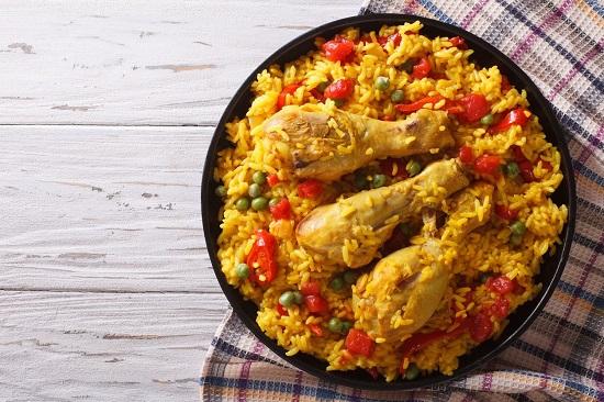 Рецепты здорового питания: паэлья из риса с курицей