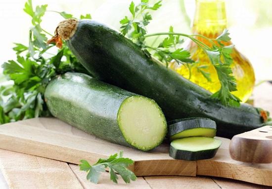Разгрузочный день на овощах и фруктах: кабачки