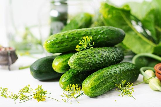 Разгрузочный день на овощах и фруктах: огурцы