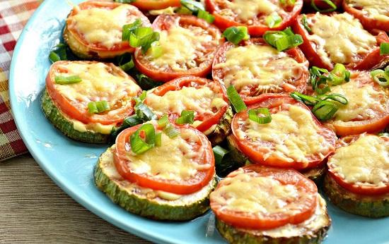 кабачки с помидорами и сыром: рецепт