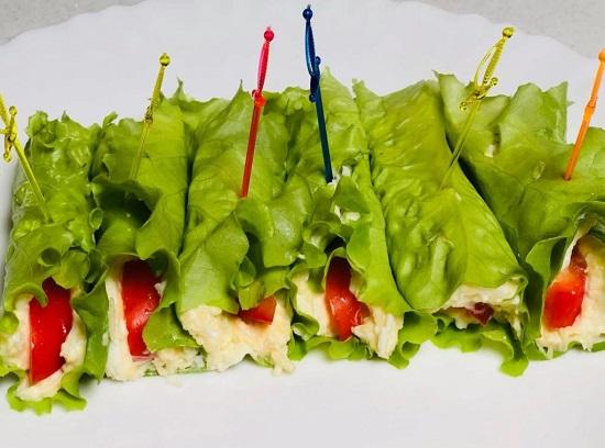Рулеты из листьев салата: рецепт