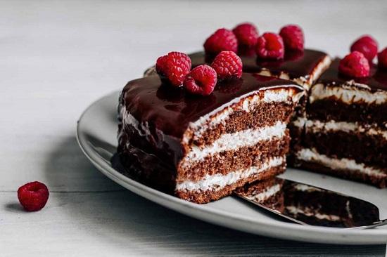 шоколадный торт с малиной: рецепт