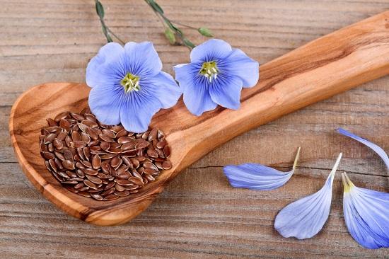 в семенах льна высокое содержание полезных жиров